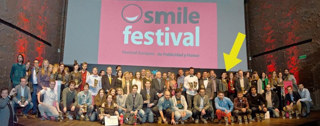 Foto de grupo (en la flecha amarilla, ahí estamos)