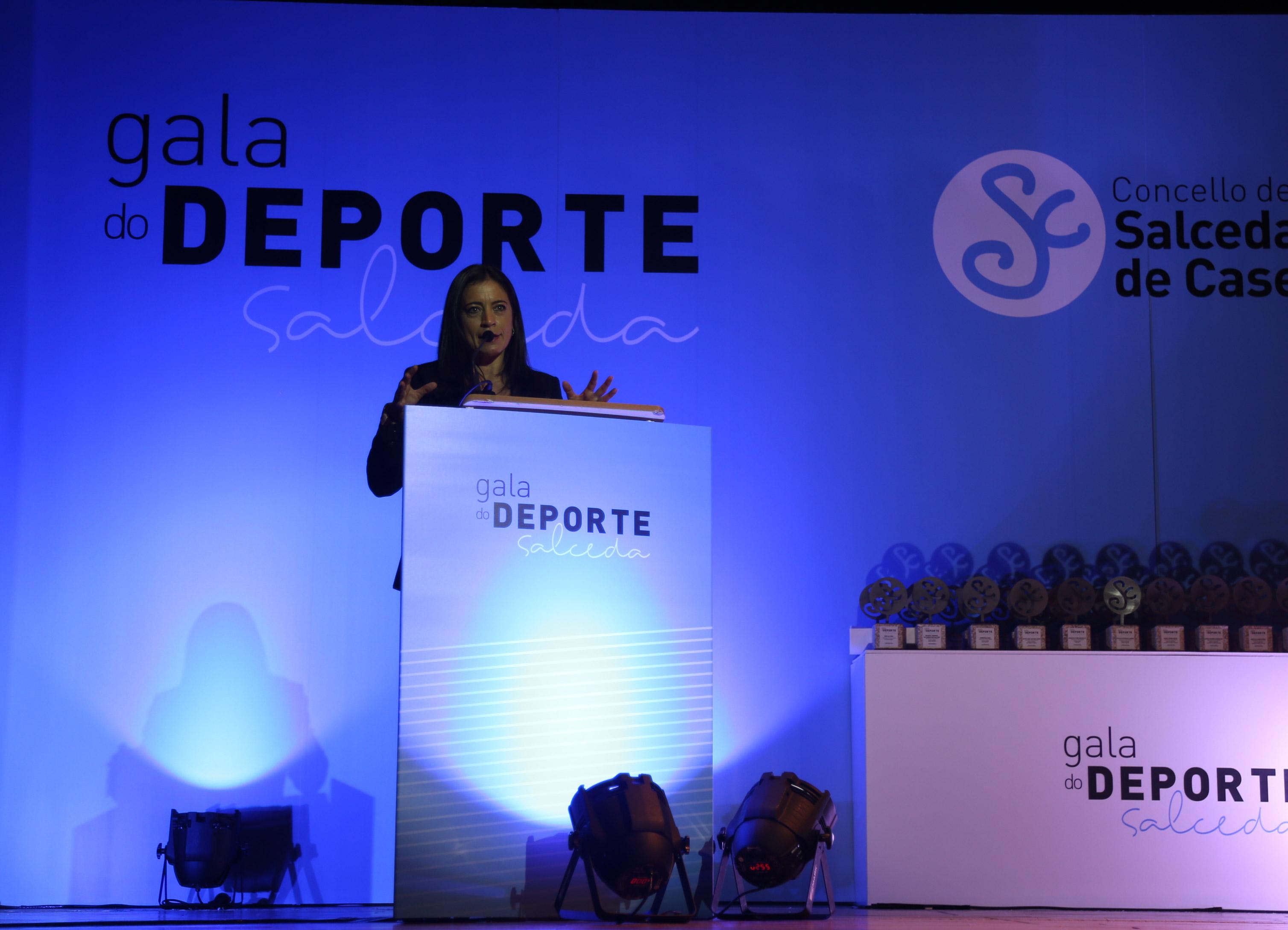 Ana Pérez TVG presentadora evento I Gala do Deporte del Concello de Salceda